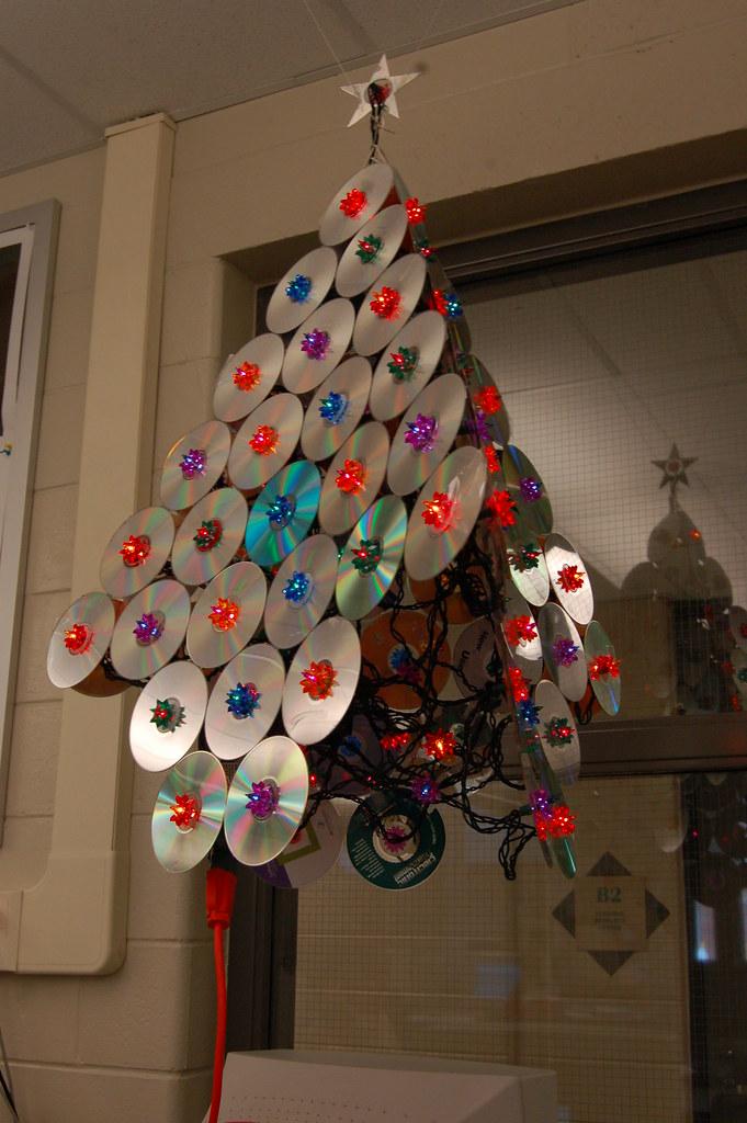 Decoração Com Cd ~ Árvore de Natal com CDs reciclados na decoraç u00e3o ecológica u2013 Matéria Incógnita