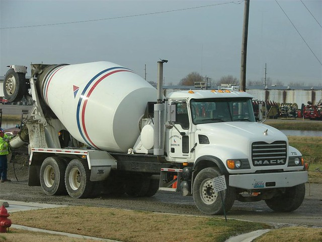 Sikeston (MO) United States  City new picture : Sikeston MO Mack Cement Truck.