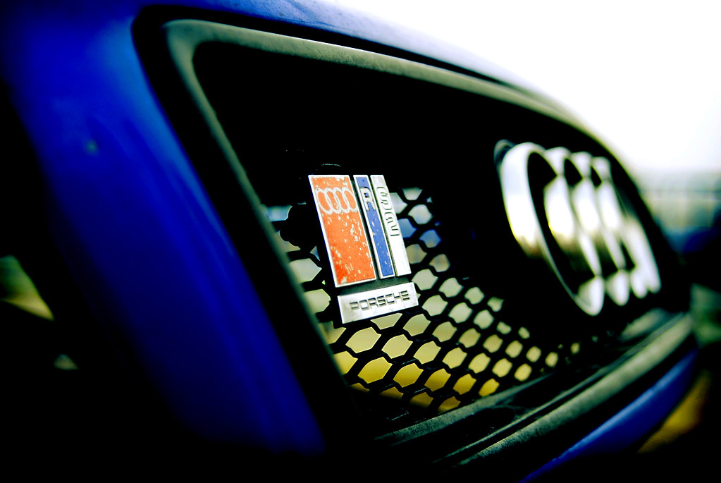 Audi RS2 logo