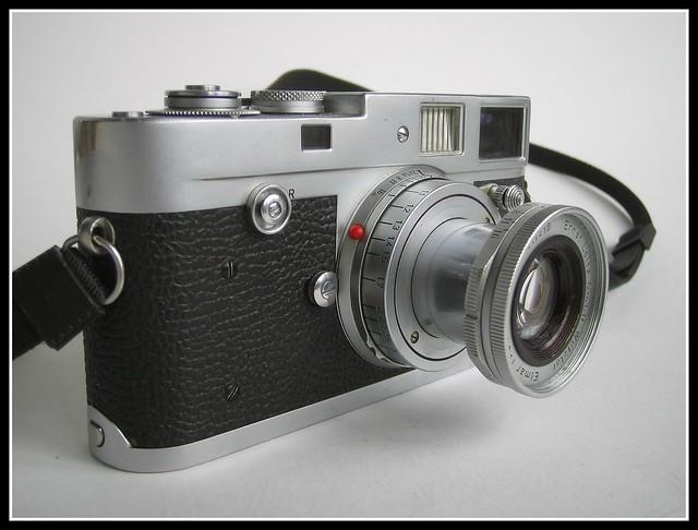 Leica M2 - Butt... Leicam2