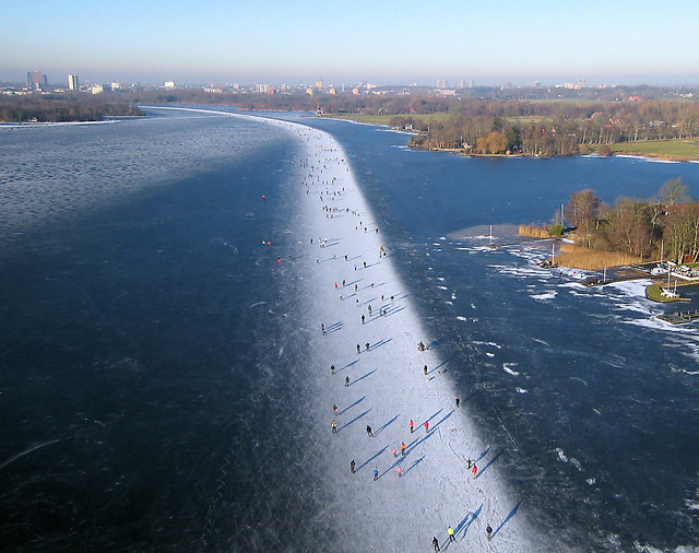 Ice skating on Paterswoldse Meer