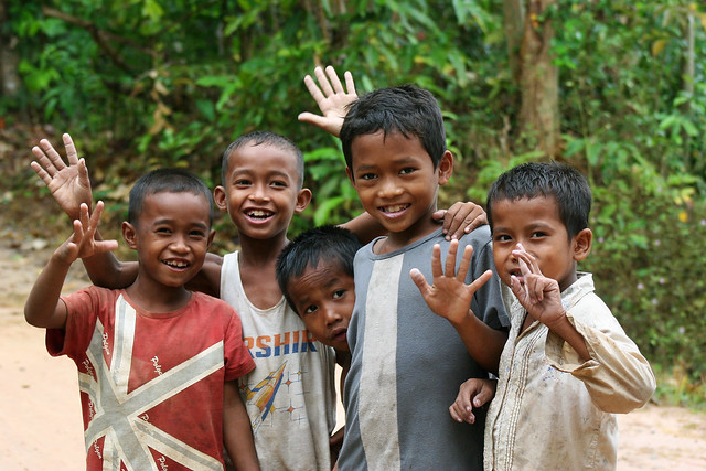 Even with no gadgets they are the happy kids of Cambodia.
