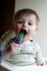 teething on a popsicle    MG 1014