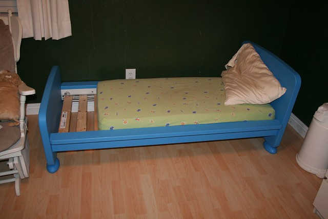 Ikea Pax Schrank Regalboden ~ We stupidly thought the Ikea toddler bed would fit the crib mattress