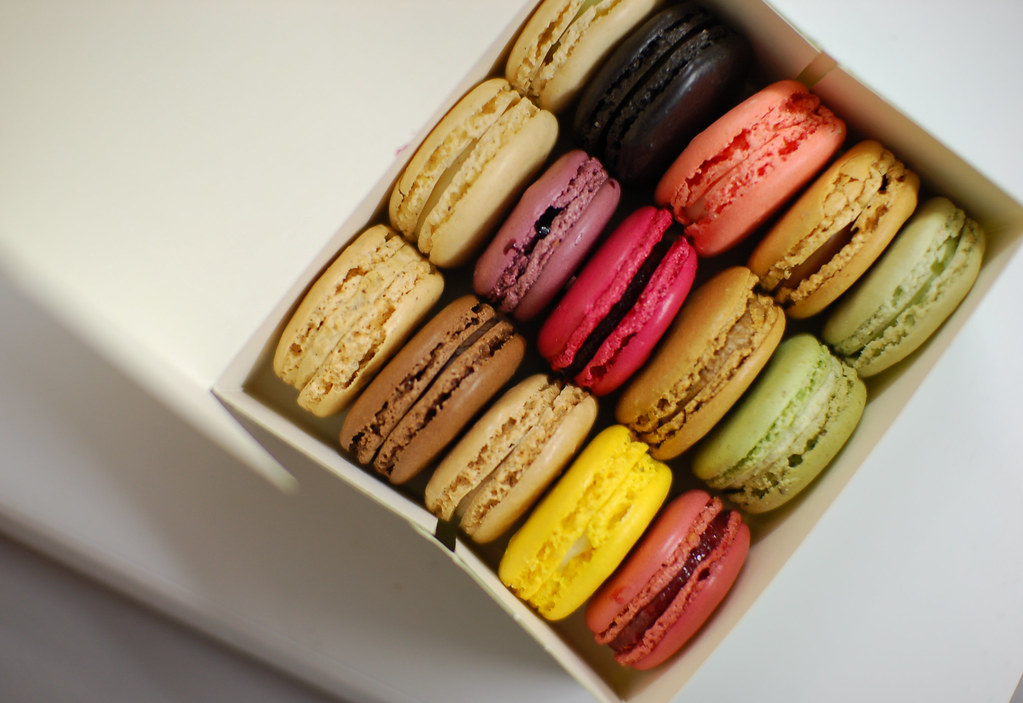 Laduree Macarons | Box of 15 Flavors (22 50 euros) Reglisse