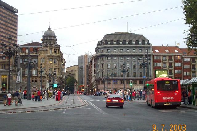 Bilbao centro ciudad pais vasco espa a flickr photo - Clinica guimon bilbao ...