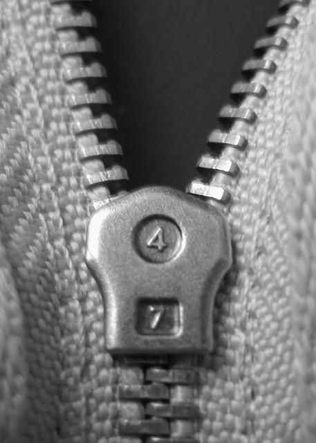 2009 Challenge, Day 15: Zipper