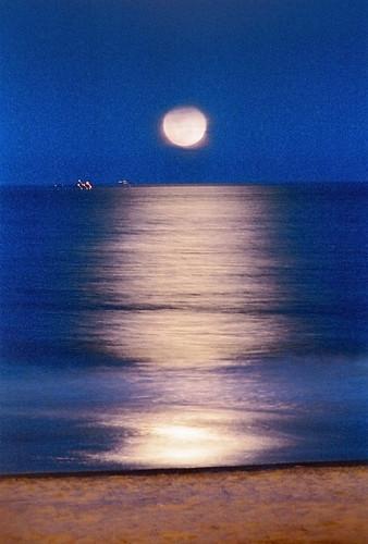 Moonrise Va Beach