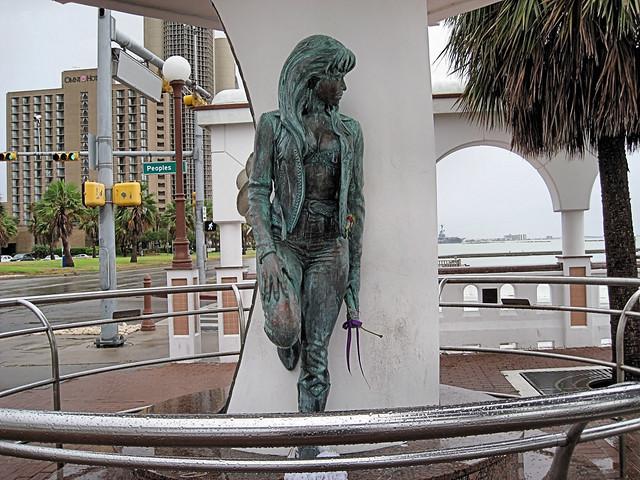 Selena Statue