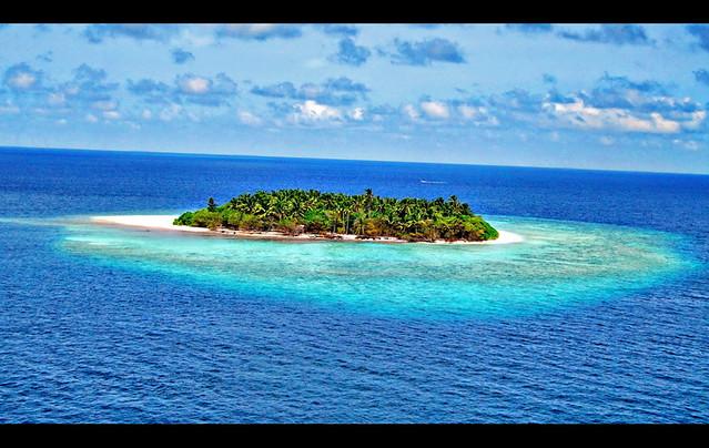 Island in Lhaviyani Atoll