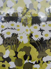 textile(0.0), leaf(0.0), military camouflage(0.0), yellow(0.0), circle(0.0), art(1.0), pattern(1.0), flower(1.0), green(1.0), design(1.0), wallpaper(1.0), illustration(1.0),