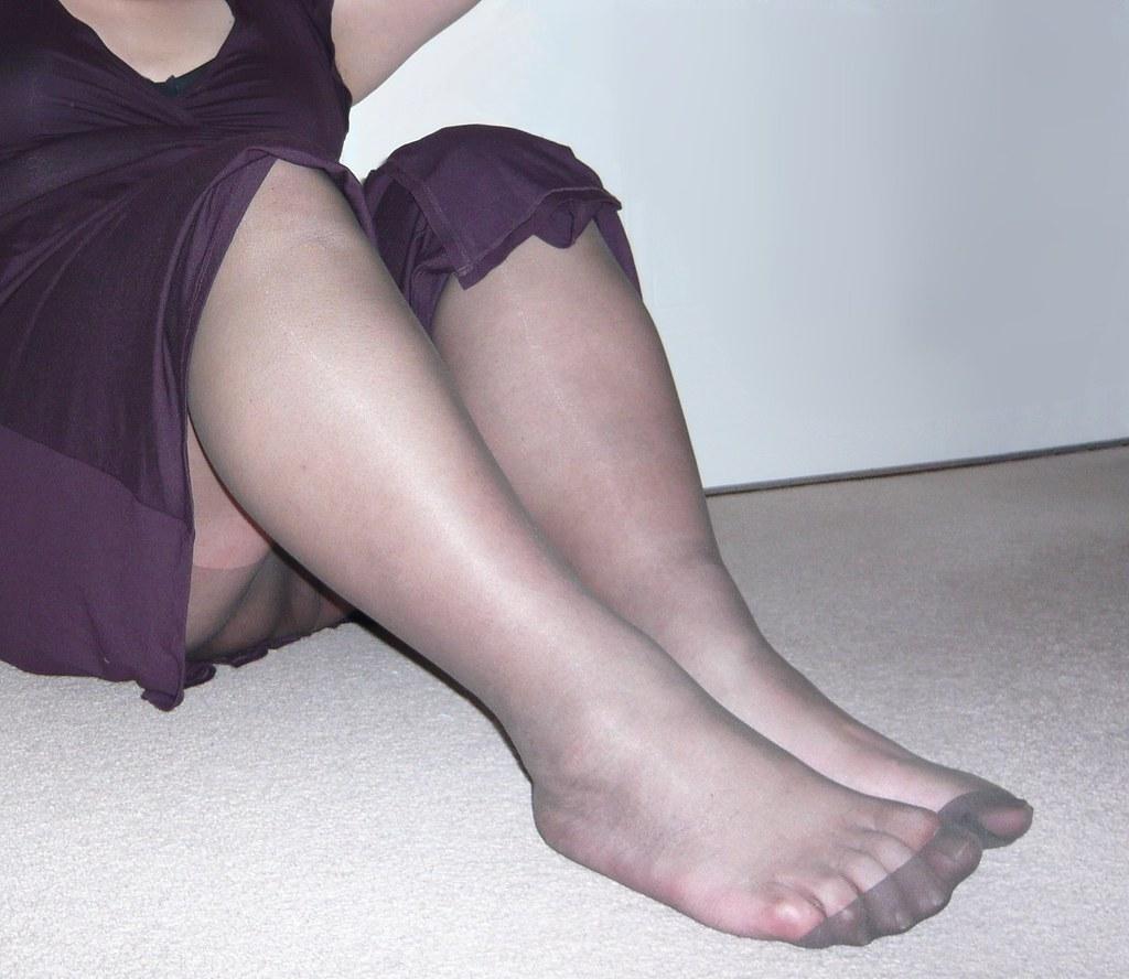 Upskirt and pantyhose
