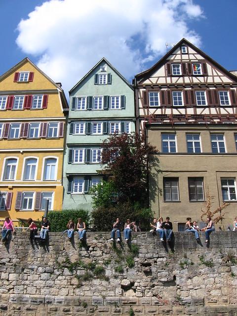 Neckarfront Wall
