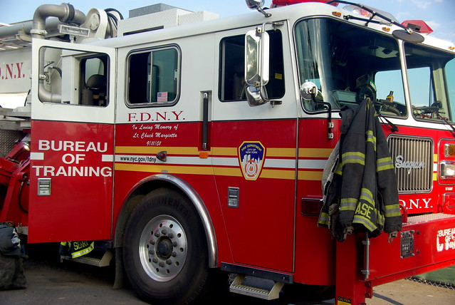 fdny bureau of training ladder special display mlb all flickr photo sharing. Black Bedroom Furniture Sets. Home Design Ideas