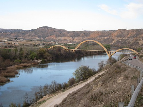 Puente en Sástago