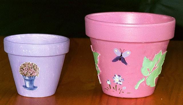 Eleves 10 12 ans pots de fleurs peinture acrylique et - Decoration avec des pots de fleurs ...