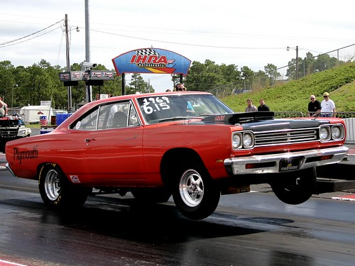1969 Plymouth Roadrunner jumpin'