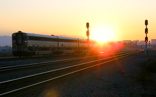 morning sun sunrise dawn track trains signals amtrak santaclara commuter passenger railroads capitolcorridor railfanning