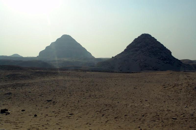 Las primeras pirámides de Egipto, se encuentran en Saqqara