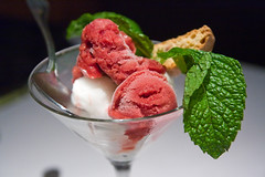 ice cream, ais kacang, produce, food, gelato, dairy product, frozen yogurt, sorbet, cuisine,