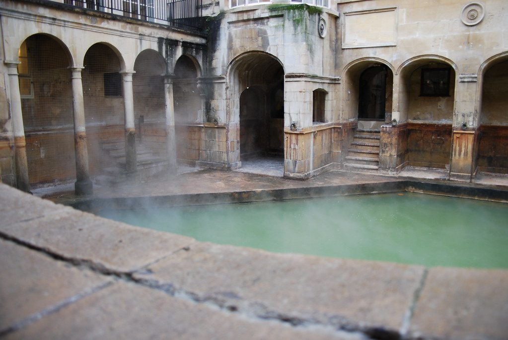 how to get to the roman baths