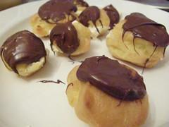 chocolate truffle(0.0), produce(0.0), praline(0.0), edible mushroom(0.0), baking(1.0), petit four(1.0), sweetness(1.0), bonbon(1.0), baked goods(1.0), profiterole(1.0), food(1.0), dish(1.0), chocolate(1.0), cuisine(1.0), snack food(1.0),