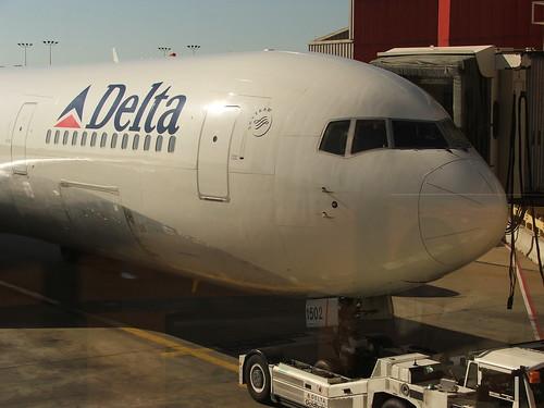 atlanta delta jetway 767 boeing767 767300 boeing767300 supertug boeing767300er delta767 capnmikesphotos