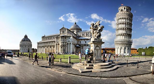 Piazza Dei Miracoli Pisa Italy Canon