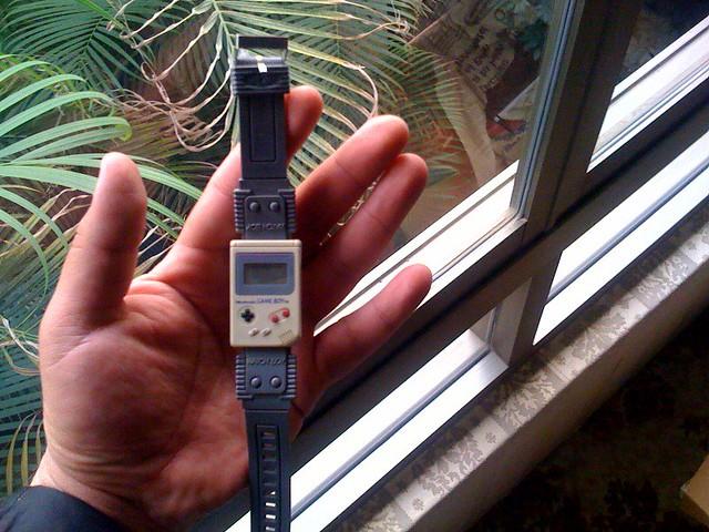 Mi viejo reloj con forma de Game Boy