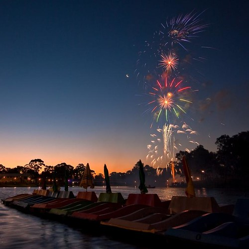 sunset water river boats colours 500v20f pentax fireworks australia wideangle newyearseve adelaide sa southaustralia squarecrop torrens sigma1020mmf456 k10d pentaxk10d justpentax pentaxart