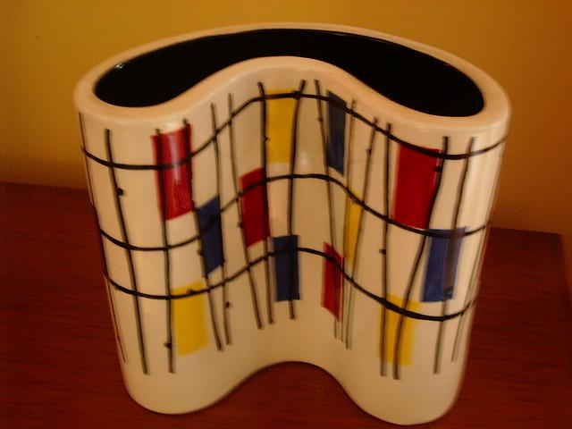 Retro vases vessels a gallery on flickr for Mondrian vase