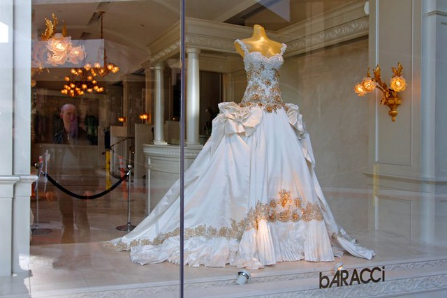Baraccis Beautiful Wedding Dress On Rodeo Drive Los Ange