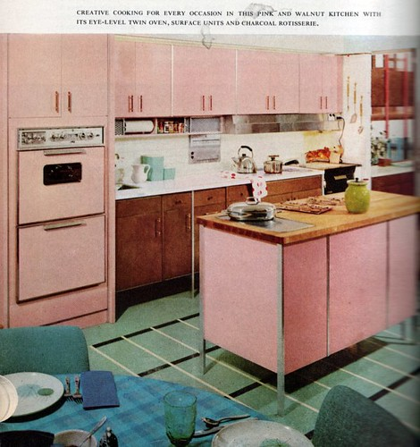 Icafe Woman Moderne I Dream Of Jeannie In A Pink Retro Kitchen