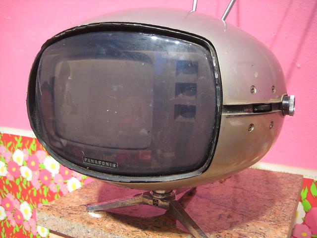 Vintage Silver Bullet TV