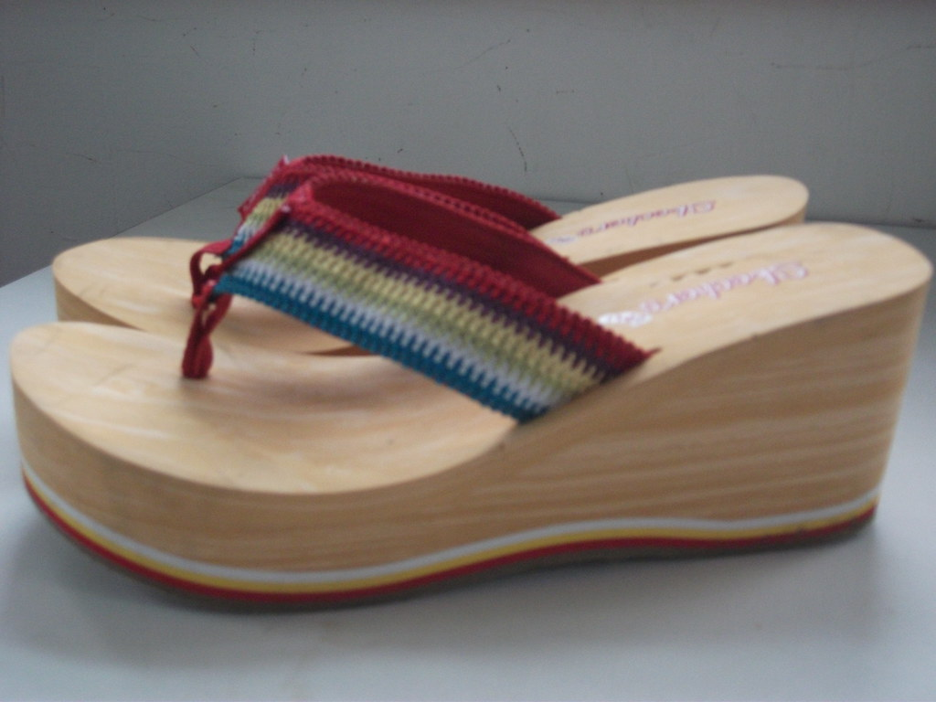 0bf19c21194 fav striped platform flip-flops