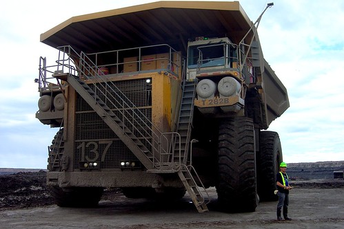 400-ton Liebherr dump truck, Athabaska tar sands
