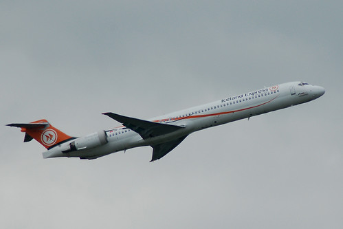 HB-JID Iceland Express MD-90