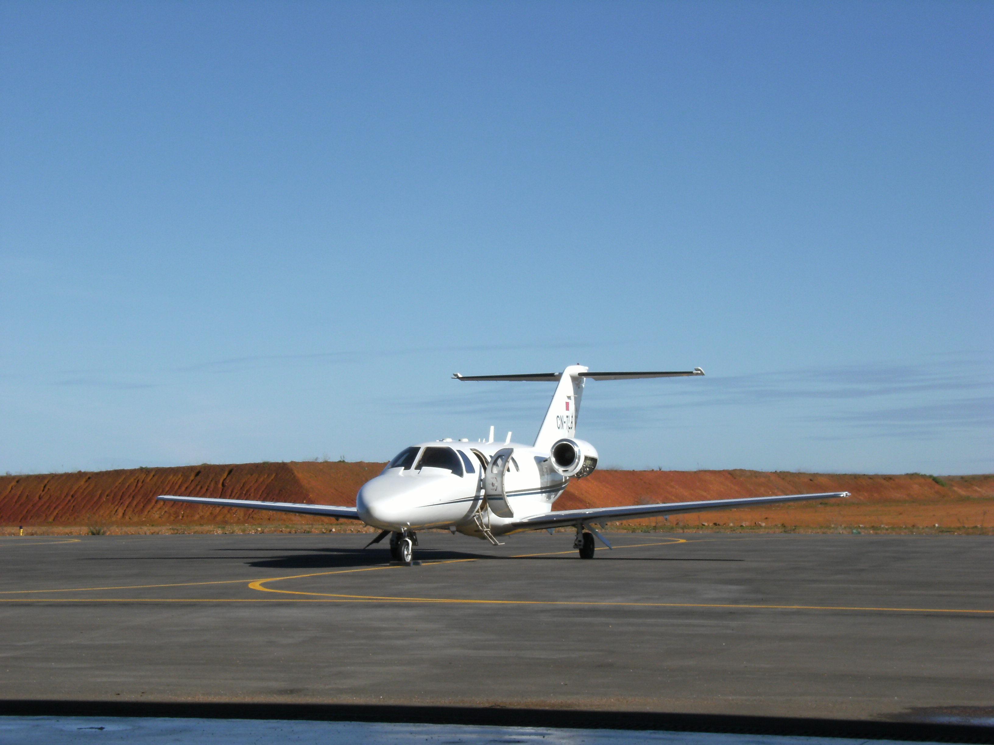 Photos des avions immatriculés au Maroc (CN) 3221742085_457e7d0f29_o