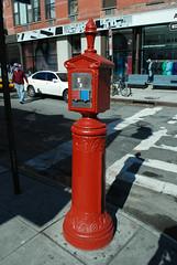 light fixture(0.0), fire hydrant(0.0), lighting(0.0), red(1.0), column(1.0),