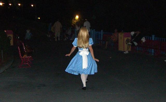 Alice in Wonderland -- Toon Town / Magic Kingdom | Flickr