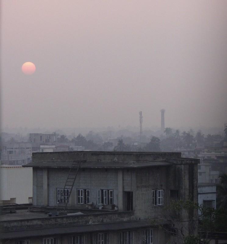 Smog filled Kolkata (India)