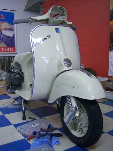 1965 Vespa GL Assembly #6