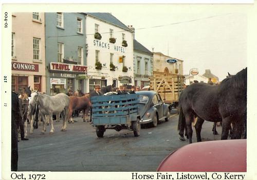 old ireland horse race all traditional group fair kerry week 1972 004 kodacolor countykerry listowel kodakpony135 notpostcard notexceptionalireland csmlabel