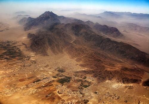 pakistan plane landscape desert aerial quetta balochistan