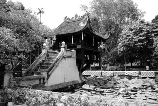 一柱廟 在 Quận Ba Đình 附近 的形象. bw pagoda bn vietnam hanoi onepillar