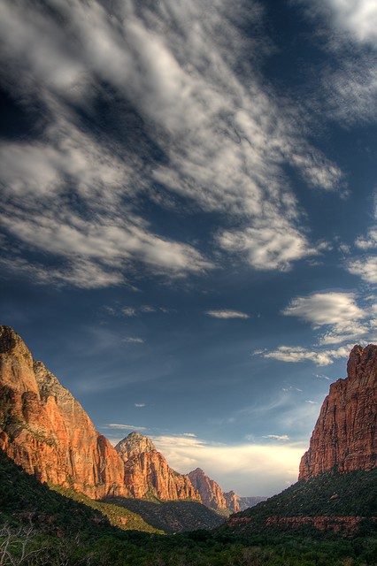 Zion Canyon (HDR)
