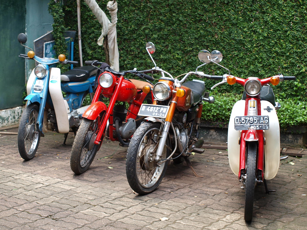 Yamaha U5 Sparta Villiers Honda Cb125ss C70 A Photo On Foto