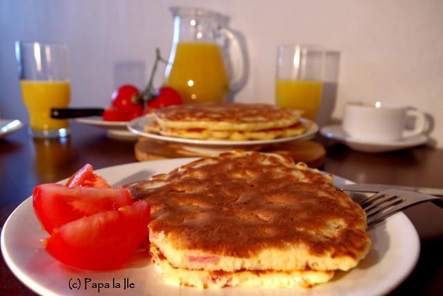 Pancakes cu cascaval si sunca (12)