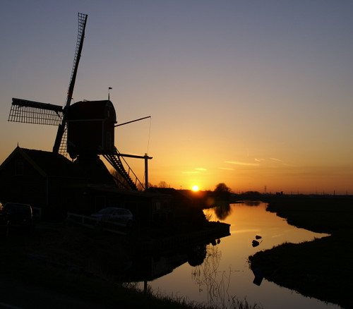 show travel winter sunset holland heritage netherlands windmill beauty dutch reflections river outdoors photography evening countryside europe flickr fotografie sundown yeah nederland thenetherlands expose exhibition explore does soe molen silhouet hoogmade blueribbonwinner yippie beautyisintheeyeofthebeholder fineartphotos abigfave worldtrekker hyldah icantbelievethismadeexplore whatathrilltomakeexplore explorewalhalla exploregalore