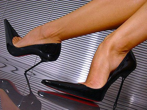 BLACK PATENT STILETTOS 2